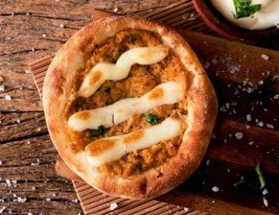 Esfiha de Frango com Requeijão - Najah Rão, Delivery de Comida Árabe